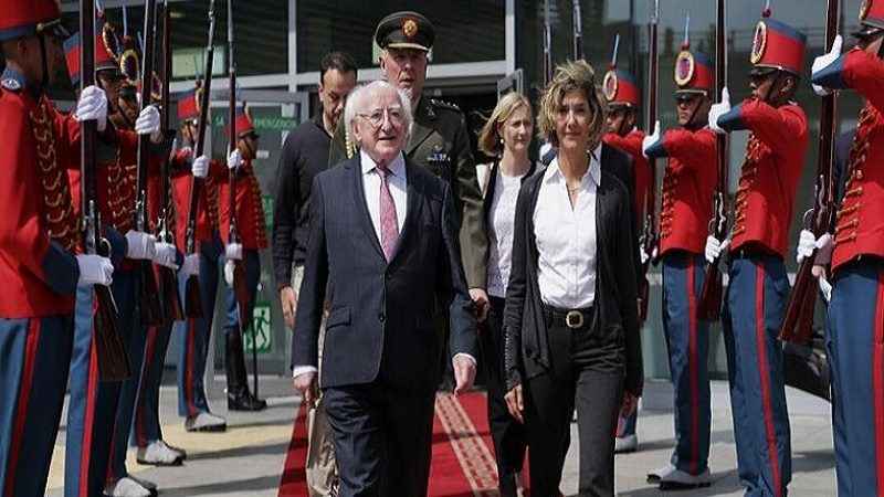 presidente irlanda llego a colombia