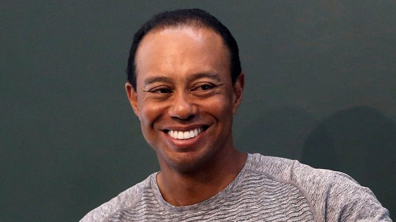 Arrestan a 'estrella' del golf, Tiger Woods, por conducir borracho