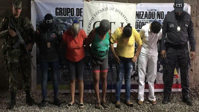 Caen cuatro mujeres en operativos contra chance ilegal en La Guajira