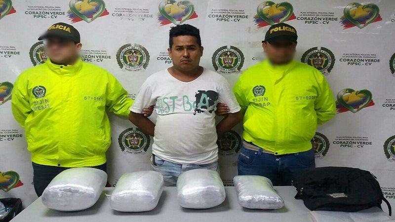 Capturan a hombre que transportaba marihuana por la calle Murillo con Circunvalar