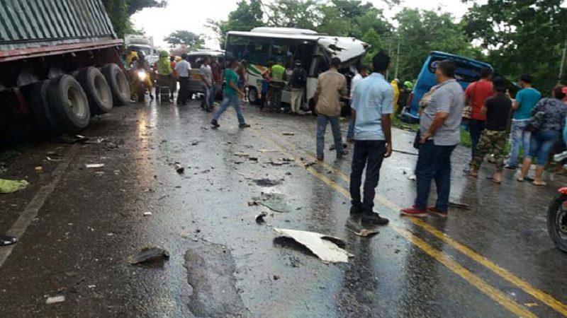 Choque múltiple deja 28 heridos en Tucurinca, Magdalena