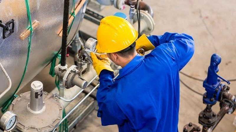 Crecen ventas minoristas y producción industrial en marzo
