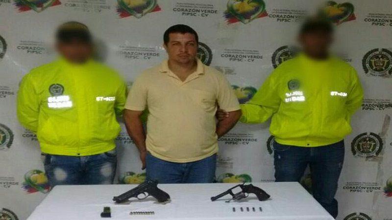 Lo capturan con un revólver y una pistola de fogueo en el barrio Santa María