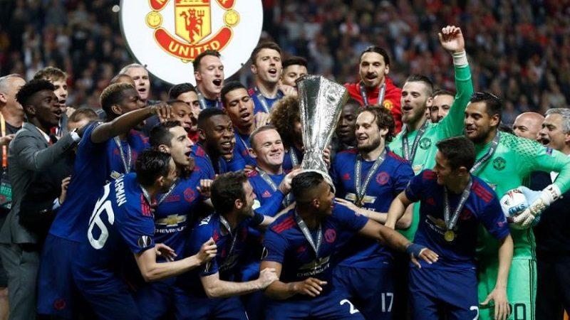 Manchester United, campeón de la Liga de Europa, tras vencer 2-0 al Ajax