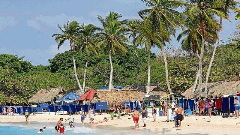 atracaron a seis turistas franceces en isla baru cartagena