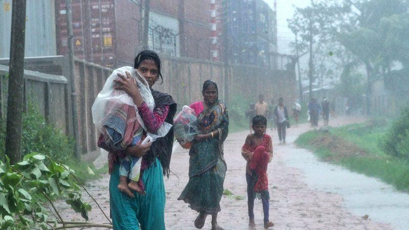 Al menos 57 muertos dejan las fuertes lluvias en Bangladés