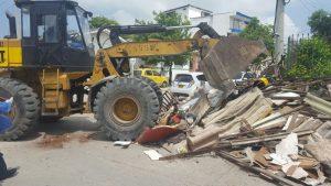 Encuentran una casa en el barrio Carrizal con 35 toneladas de basura 6