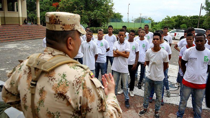 Los 'Guardianes de la Convivencia' asumieron rol de soldados por un día