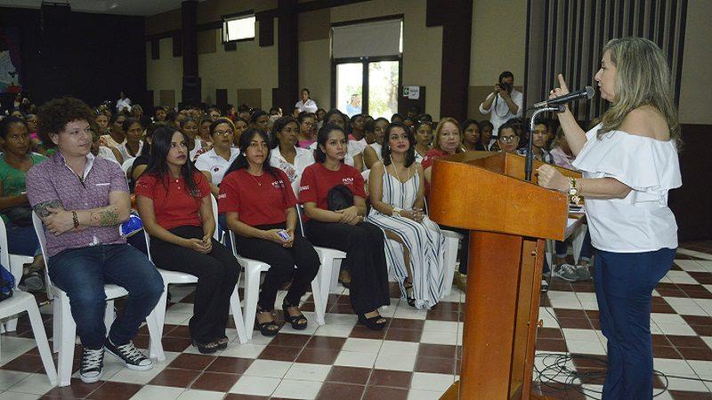 Más de 800 mujeres del Atlántico consolidan emprendimientos productivos