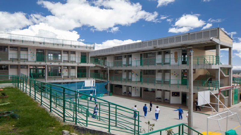 Se postulan 27 firmas constructoras para construir colegio en Guaranda, Sucre