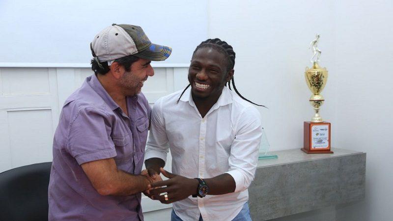 Yimmi Chará ya firmó con el Junior de Barranquilla