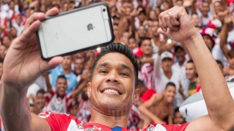 Junior ofrece mercados de Olímpica a hinchas que se abonen para este semestre