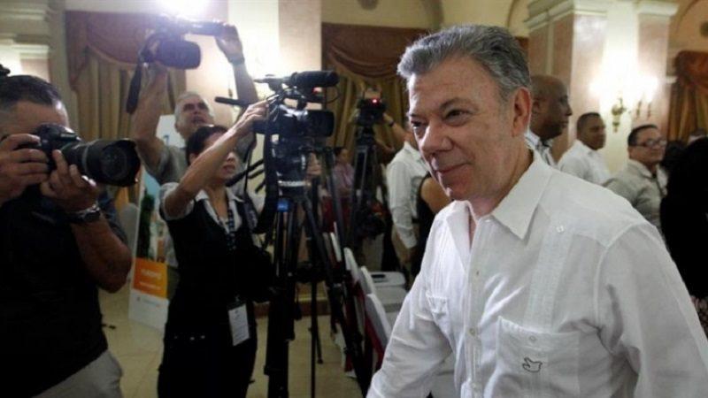 Presidente Santos celebró la reunión entre exjefes paras y exjefes guerrilleros