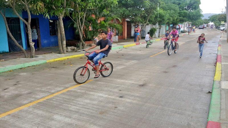Corregimiento de Juan Mina estrena calle pavimentada