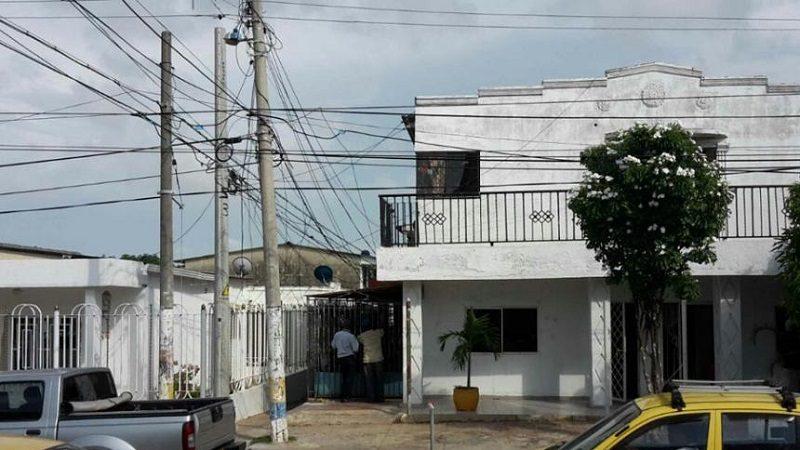 De varias puñaladas asesinan a una mujer en el barrio Cevillar