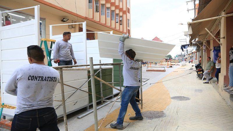 Distrito inicia la instalación de módulos para 66 comerciantes en el centro histórico