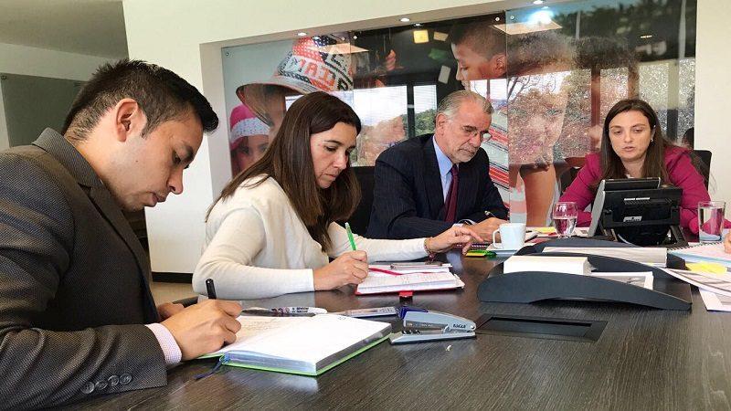 Gobernador y directora de Icbf revisan avance de obras de los CDI