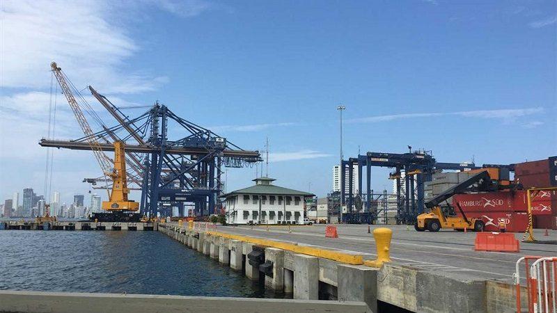 Gobierno autoriza instalación de dos nuevas grúas pórtico en Puerto de Cartagena