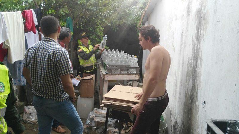 Policía desmantela fábrica ilegal de vinagre de cocina en el barrio La Pradera