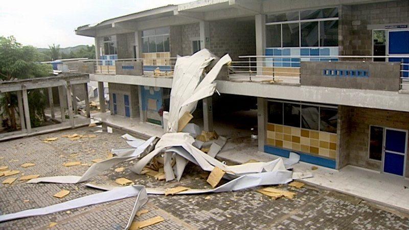 Vendaval destechó más de 300 viviendas y dos colegios en Galapa y Juan Mina