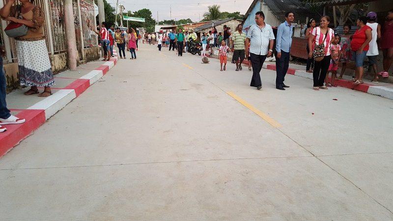Alcalde Char entrega tres nuevas vías en el barrio Las Américas