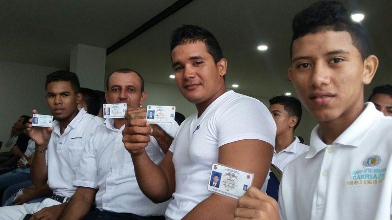 Jóvenes víctimas por desplazamiento forzado recibieron su libreta militar en Barranquilla