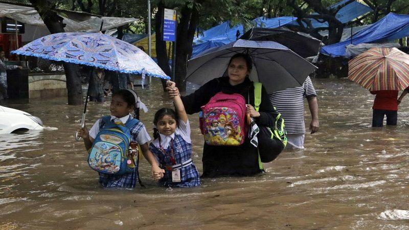 Más de 1.400 muertos dejan las inundaciones en el sur de Asia