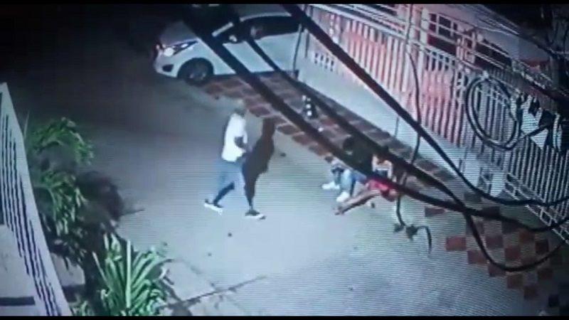 A mano armada atracan a dos jóvenes en el barrio Hipódromo de Soledad