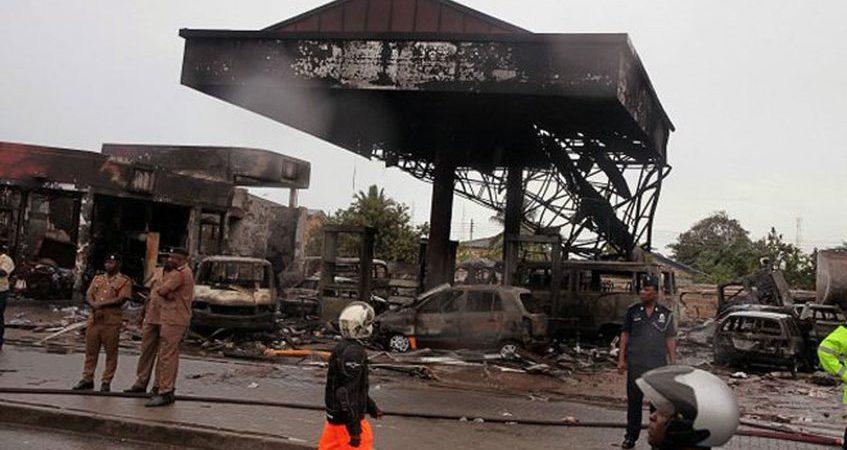 Al menos 6 muertos y 130 heridos deja explosión de gasolinera en Ghana