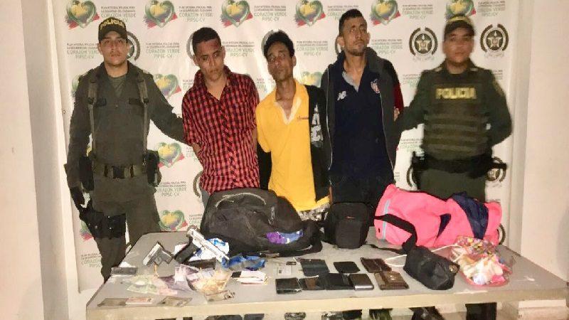Asaltaron un local comercial en Soledad y los capturaron cuando escapaban