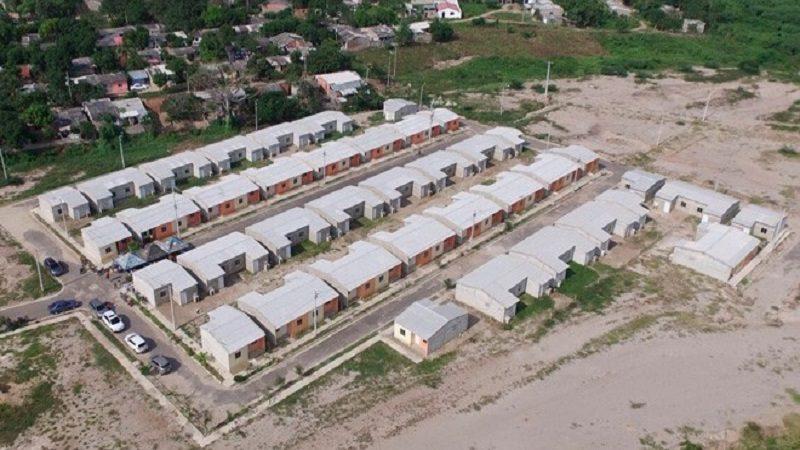 Entregan 68 nuevas casas adaptadas al cambio climático en Sabanalarga