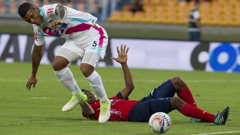 Junior ganó 1-2 al Medellín y es líder de la Liga Águila