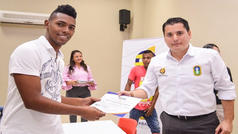 Alcaldía de Soledad certifica a 70 jóvenes en Trabajo Seguro en Altura