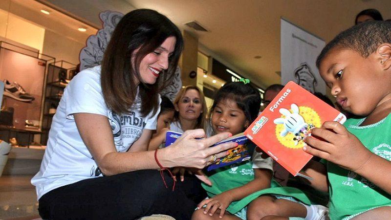 Inicia donación de libros para los niños de los CDI en Barranquilla