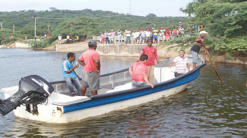 Rescatan delfín que había encallado en playas de Lomita Arena, Bolívar