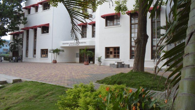 Biblioteca pública Meira Delmar, sede de encuentro de bibliotecarios del Atlántico