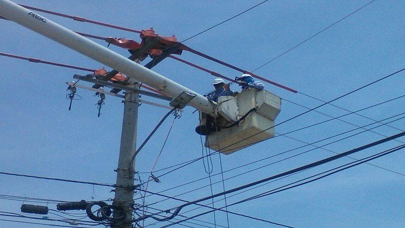 Continúa instalación de redes eléctricas en los circuitos San Felipe y Silencio 5