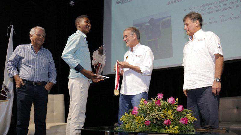Entregan reconocimiento a los mejores del deporte en Atlántico