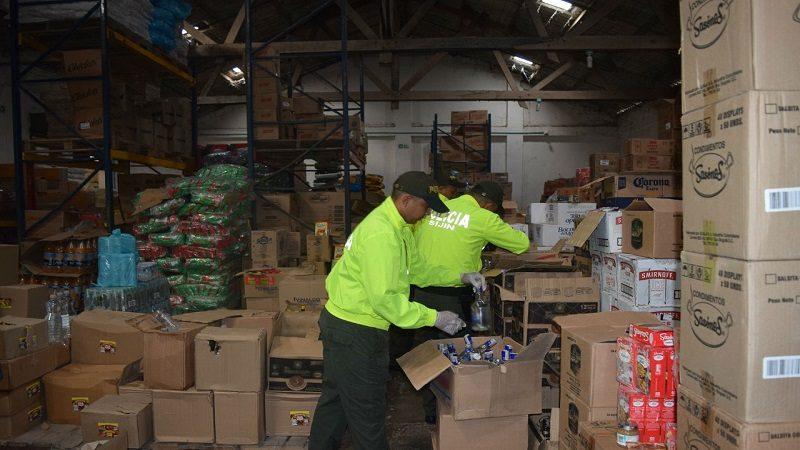 Incautan más de 5 mil botellas de licor de contrabando en Barranquilla, Soledad y Sabanalarga