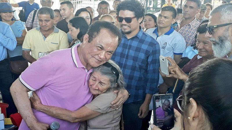 Alfredo Gutiérrez 'visitó' a Joe Arroyo y compartió con los usuarios de Transmetro