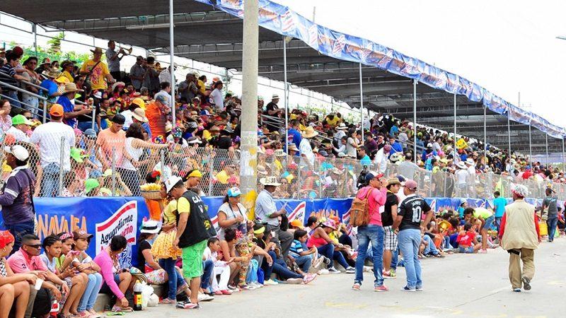 Capacitan a más de 400 vendedores para trabajar en eventos del carnaval