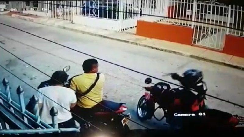 Con revólver en mano atracan a una pareja en el barrio Los Pinos