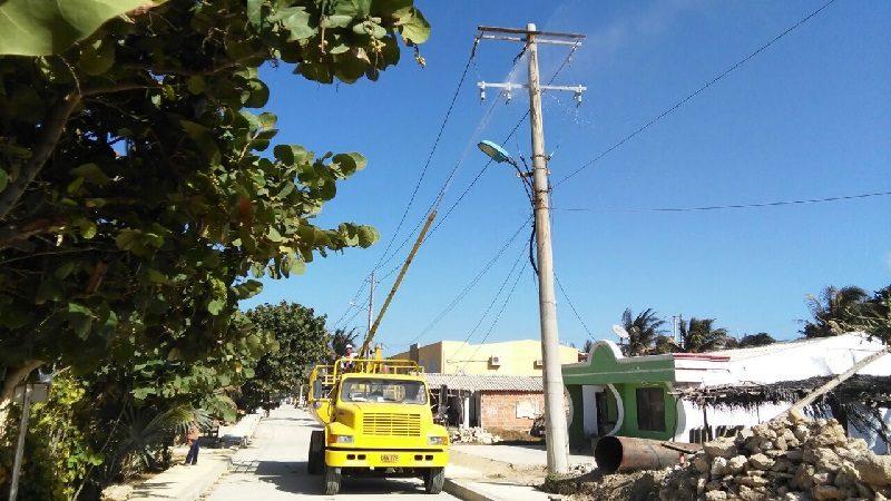 Electricaribe intensifica lavado de redes eléctricas en Barranquilla
