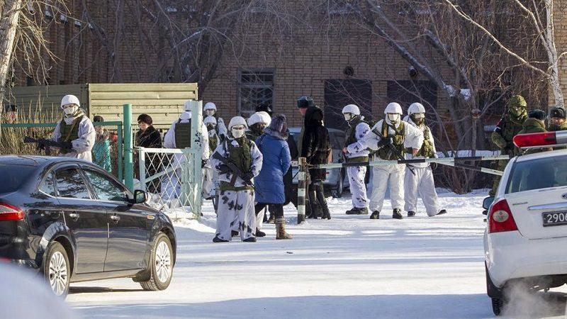 Menor ataca con hacha a cinco niños y una profesora en un colegio ruso