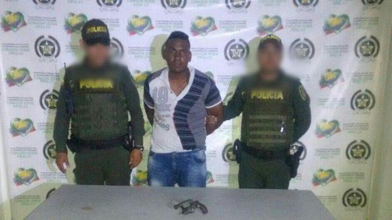 Tenía detención domiciliaria y andaba armado por las calles de Malambo