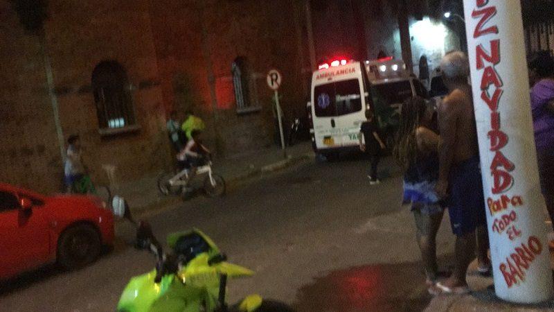 Un muerto y dos heridos deja balacera en el barrio Rebolo