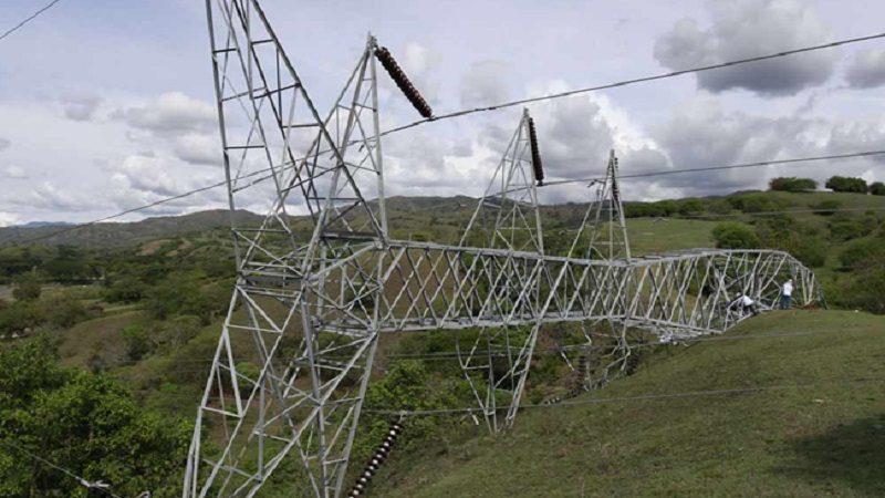 Alerta máxima en la región Caribe por atentados que derribaron dos torres de energía