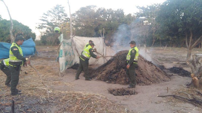 Autoridades destruyen hornos para la elaboración de carbón vegetal en Malambo