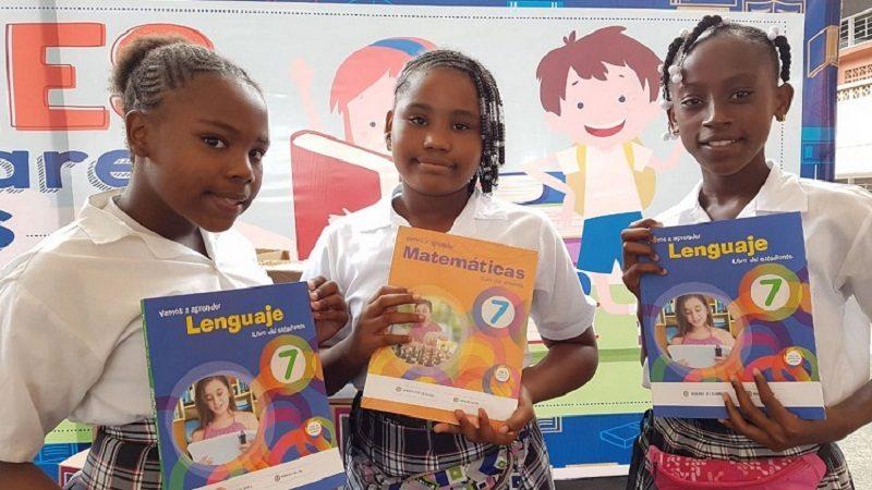 En Atlántico, Mineducación entrega más de 408 mil textos escolares