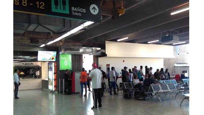 Habilitan salas de espera provisionales en el Ernesto Cortissoz, por obras de remodelación